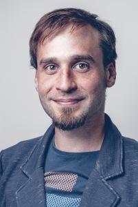 David Theil ist DigitalisierungsCoach und hilft Unternhemen bei der Softwareentwicklung, App-Entwicklung und bei der Digitalisierung und Digitalisierungsprojekten
